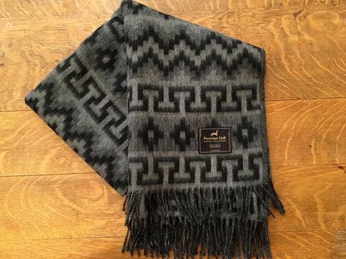 Geometric Alpaca Throw (Black/Grey)