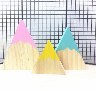 Decorative Wooden Mountaintops
