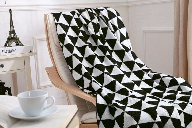 Black Geometric Soft Throw Blanket