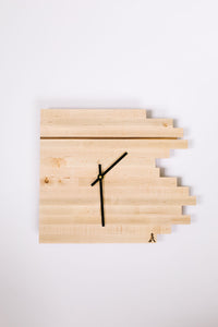 Maple Comet Clock