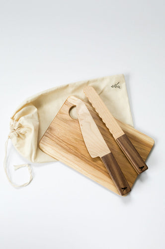 Play Cutting Board & Knives
