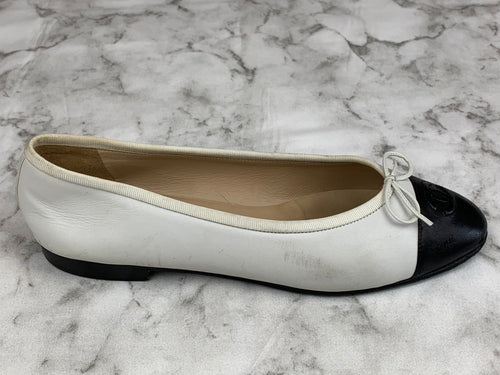 Chanel White & Black Leather Ballet Flats Sz. 9.5