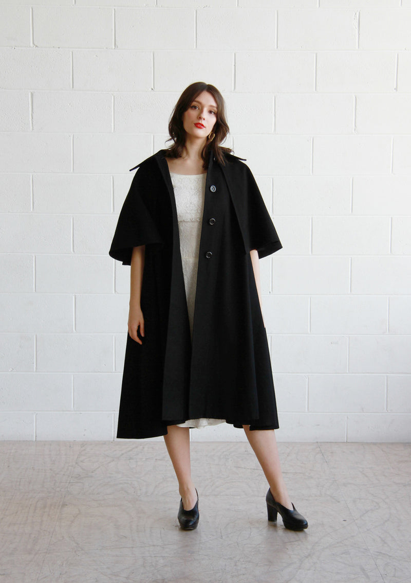 Vintage 1970s Black CASA SESENA Cape Coat / The MARGUERITE Coat / OS