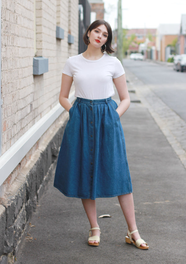 Vintage 1990s Denim Button Front Midi Skirt / M