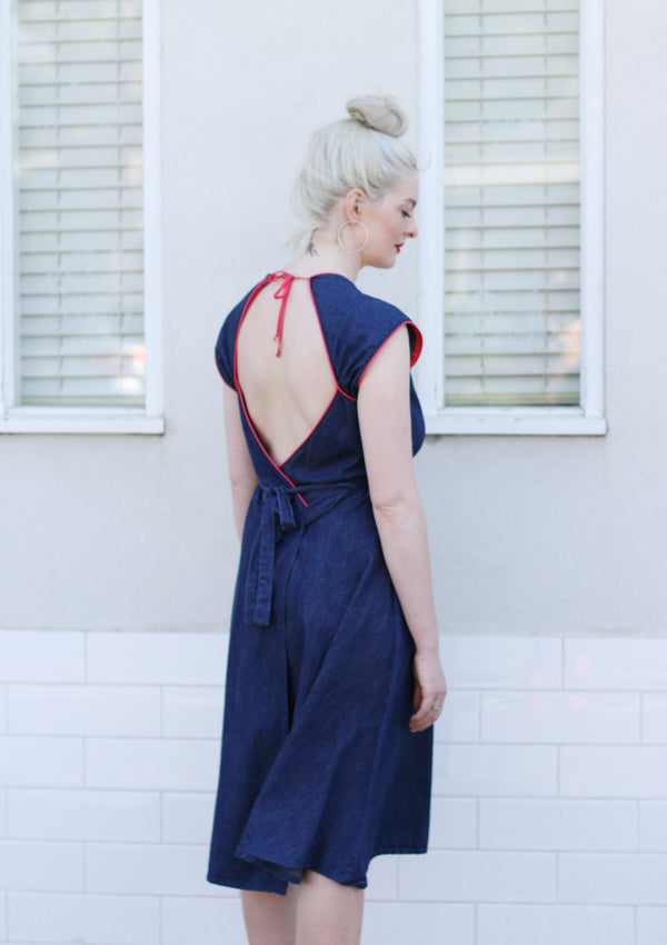 Vintage 1970s Denim Dress / Open Back / Medium