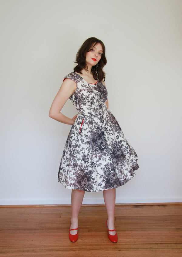 Vintage 1950s Grey Rose Cotton Dress / Full Skirt / Small