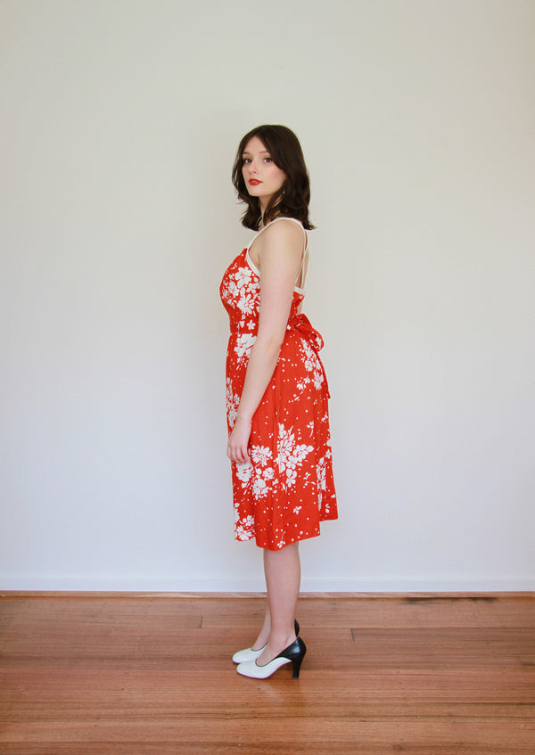 A Certain Smile / Vintage 1970s LANZ Original Red Floral Sundress / Open Back / Medium