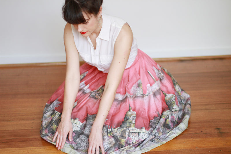 Vintage 1950s Washington City Scene Novelty Print Skirt / S/M