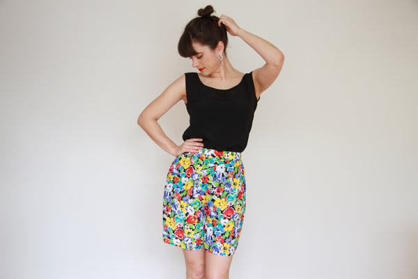 Vintage French Floral Shorts / S/M