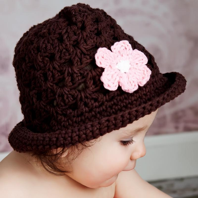 Bucket Hat: Brown with pink crocheted flower - Chizipoms