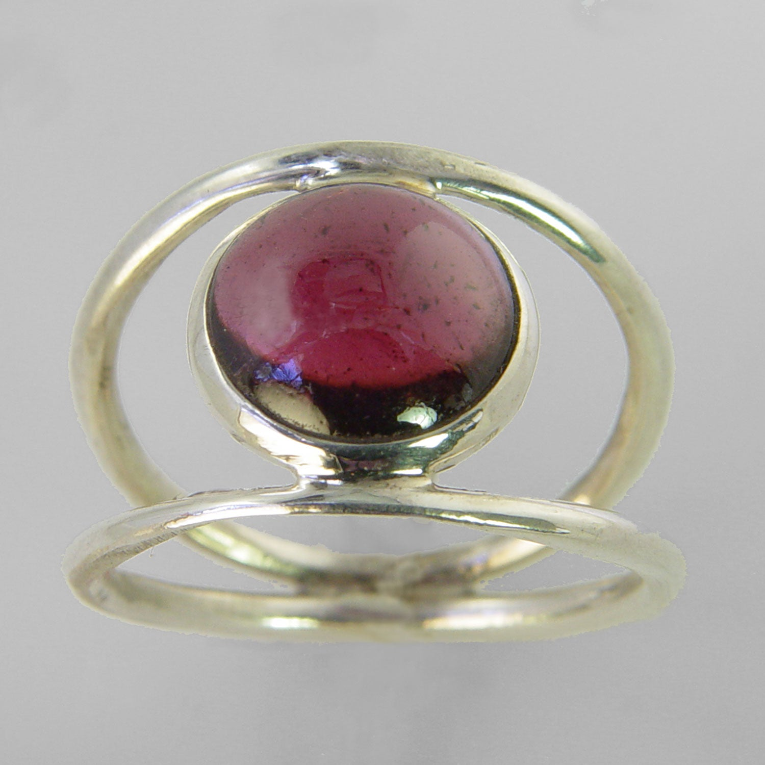 Garnet 3 ct Round Cab Sterling Silver Ring, Size 8
