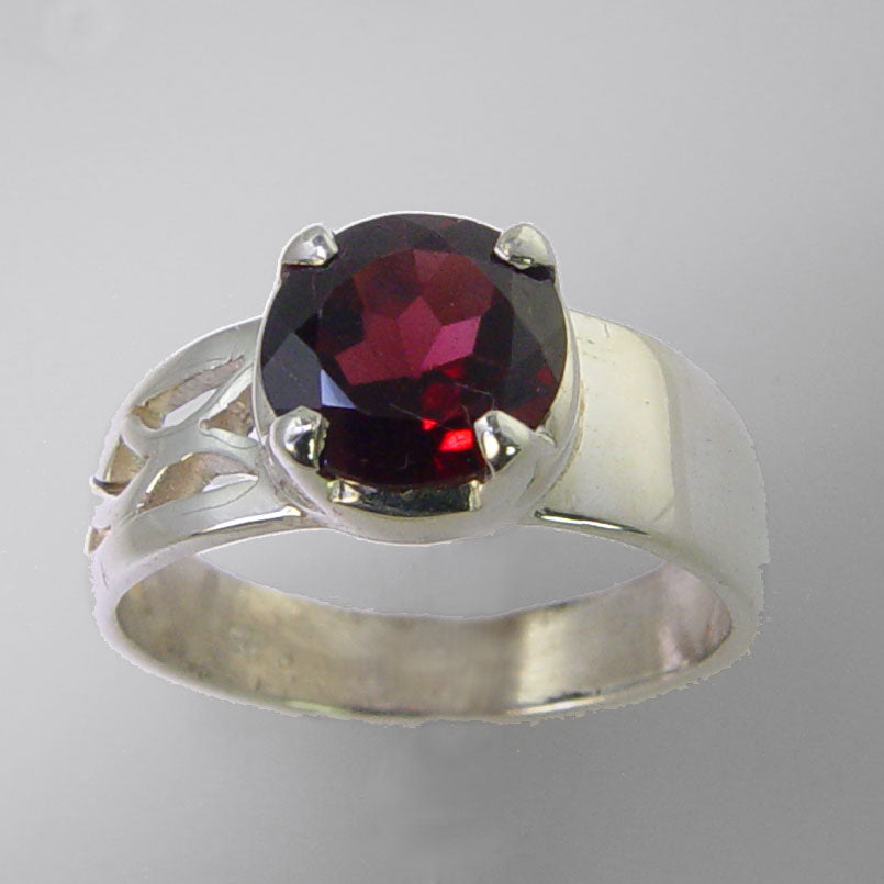 Garnet 2.3 ct Faceted Round Sterling Silver Fancy Band Ring, Size 7