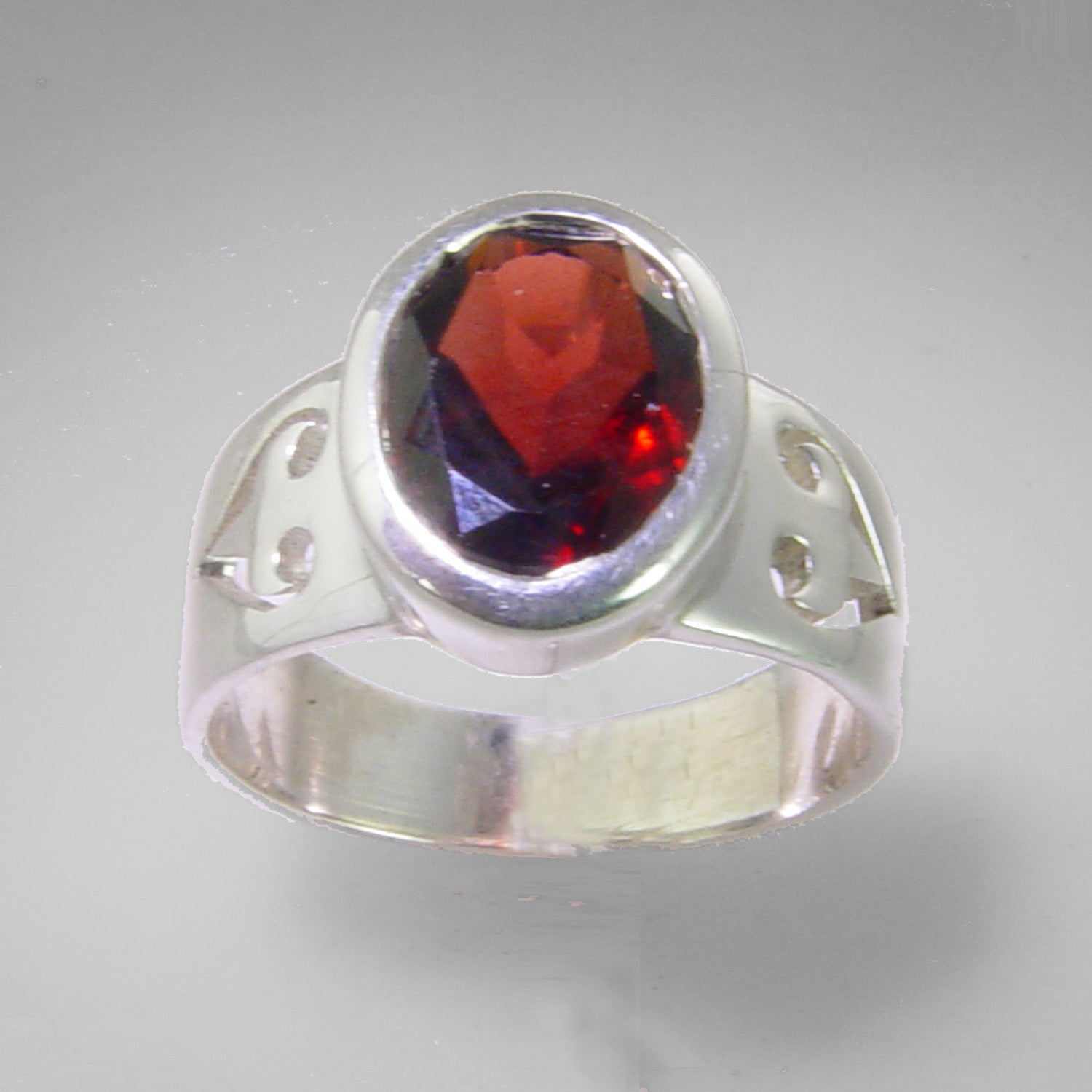 Garnet 3.36 ct Oval Sterling Silver Ring, Size 9
