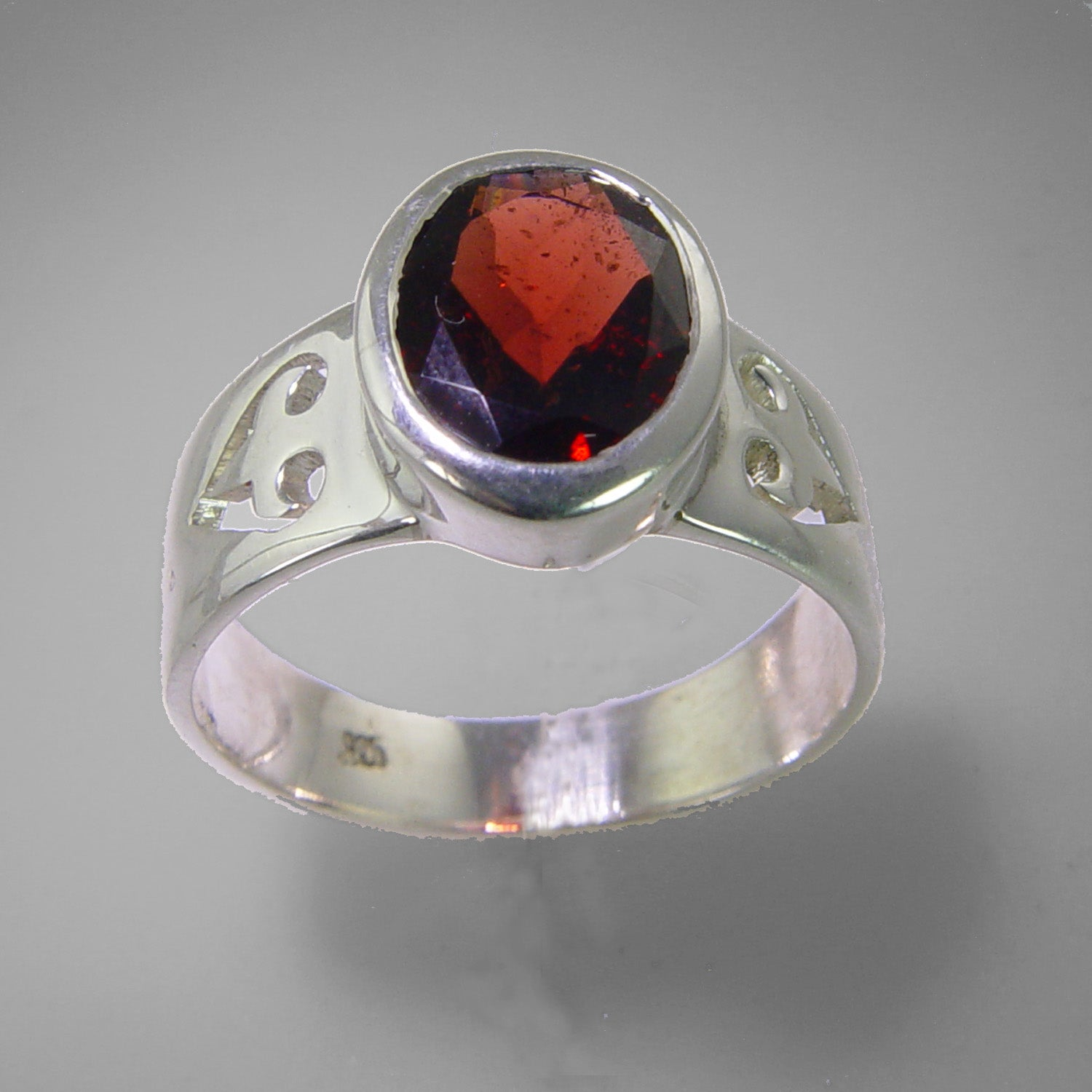 Garnet 3.83 ct Oval Sterling Silver Ring, Size 7