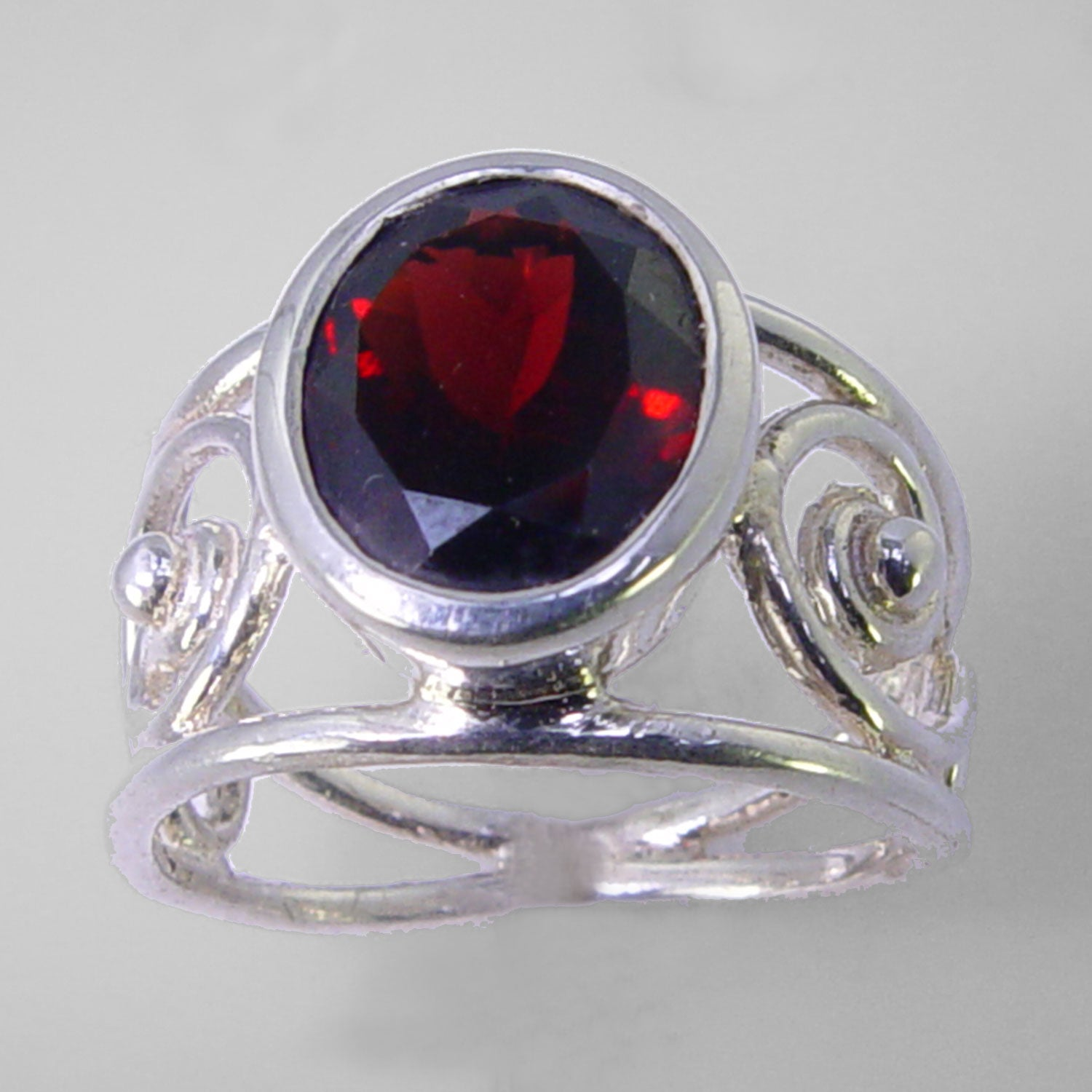 Garnet 5.0 ct Oval Sterling Silver Fancy Split Band Ring, Size 8