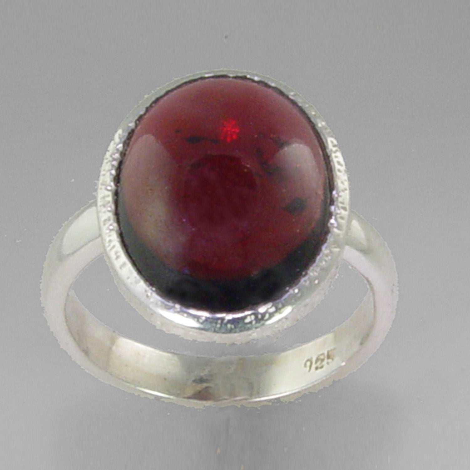 Garnet 7.9 ct Oval Cab Sterling Silver Ring, Size 7