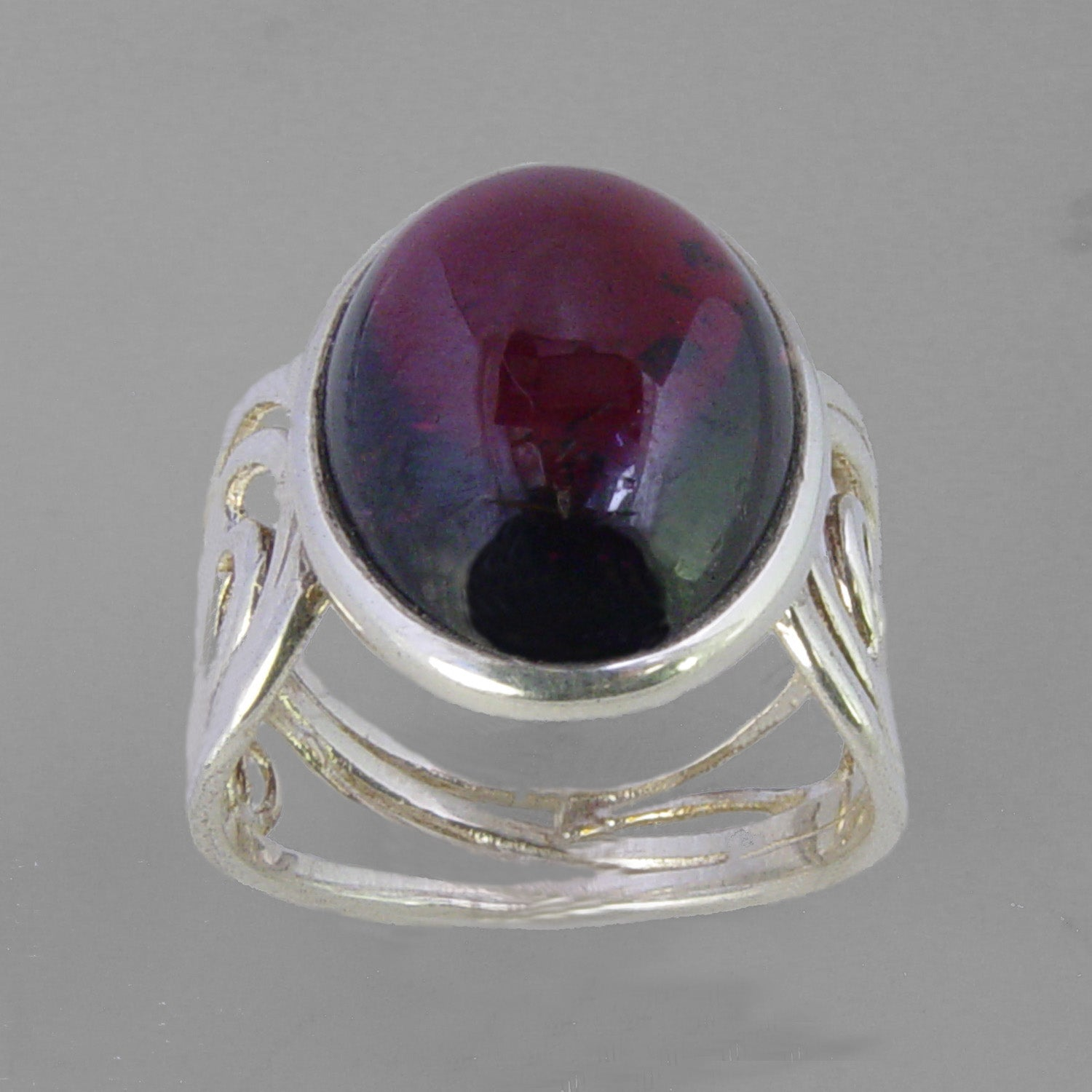 Garnet 11.4 ct Oval Cab Sterling Silver Ring, Size 8