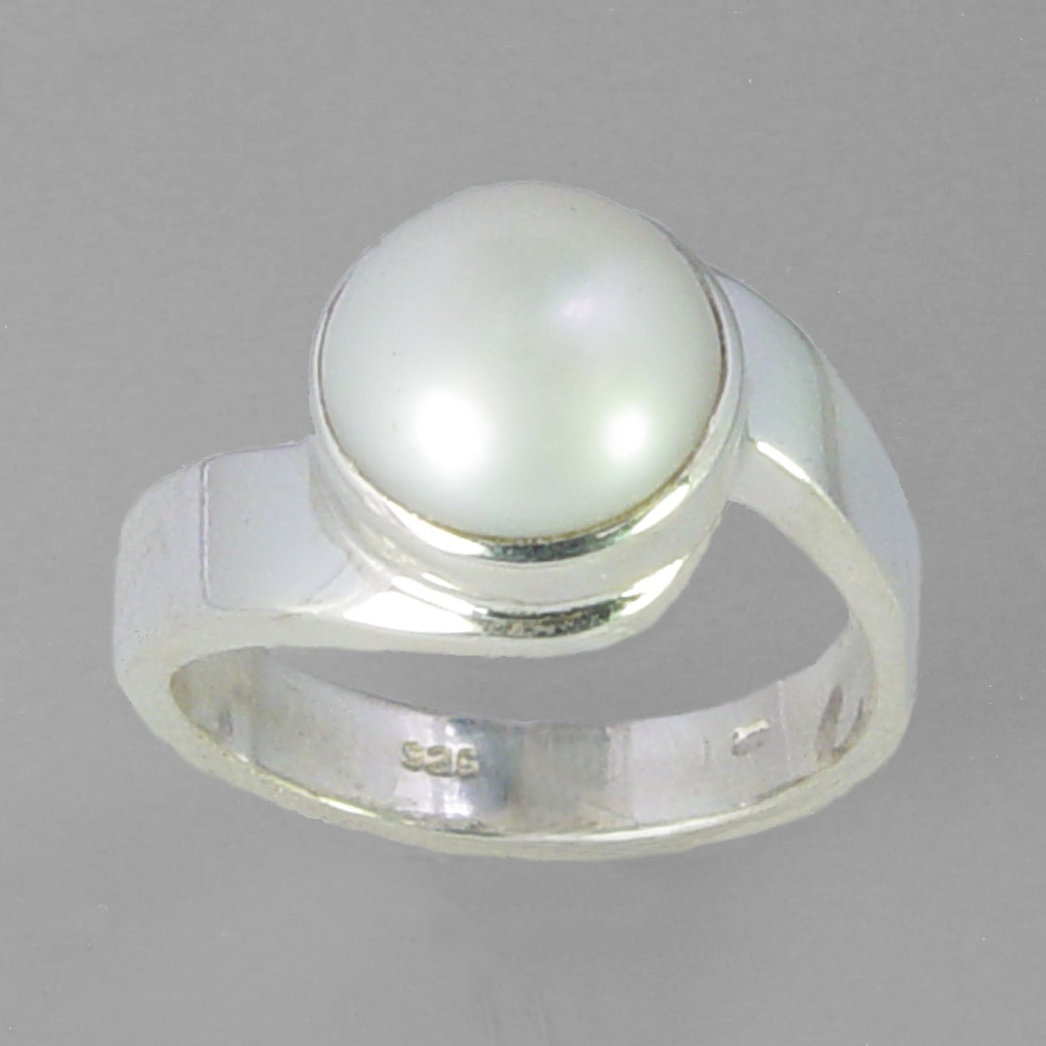Pearl 5.3 ct Freshwater Pearl Swirl Shank Sterling Silver Ring, Size 7.5