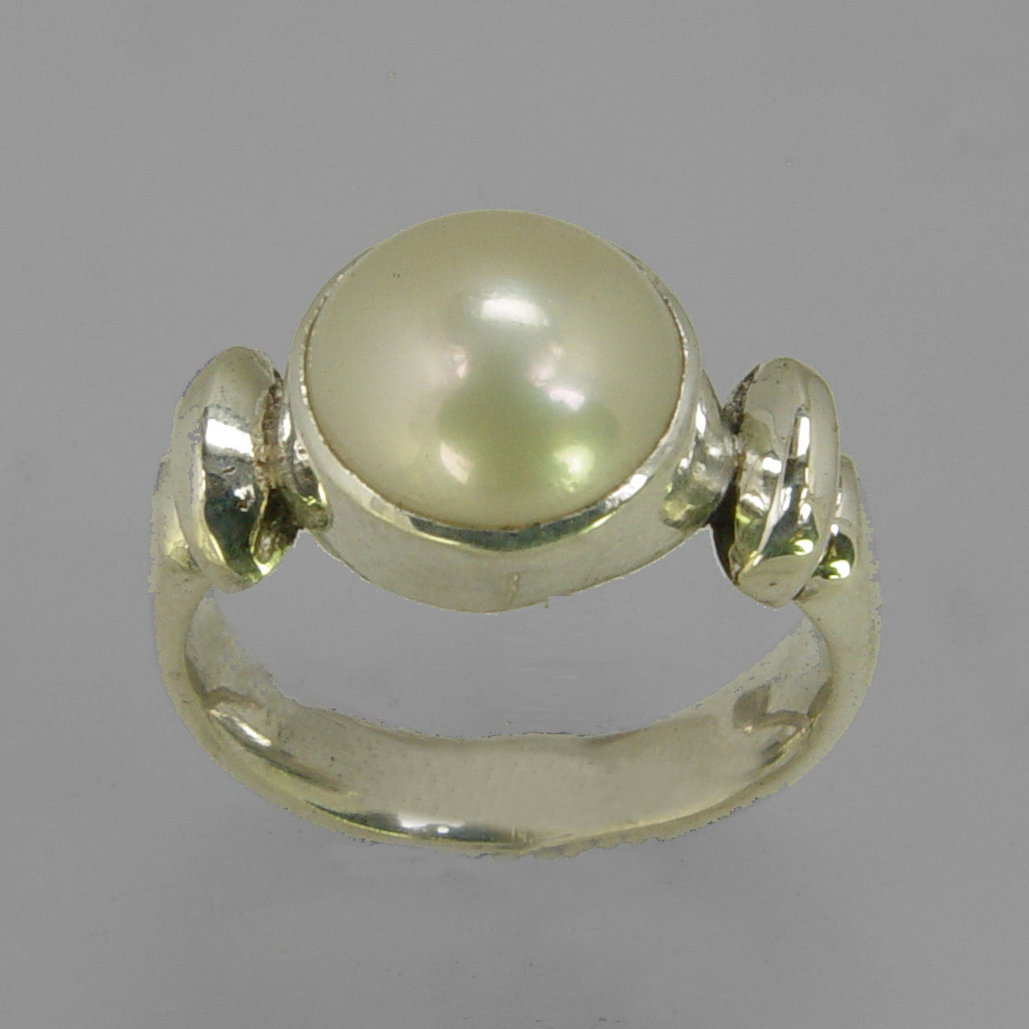 Pearl 6 ct Freshwater Pearl Bezel Set Shoulder Shank Sterling Silver Ring, Size 7