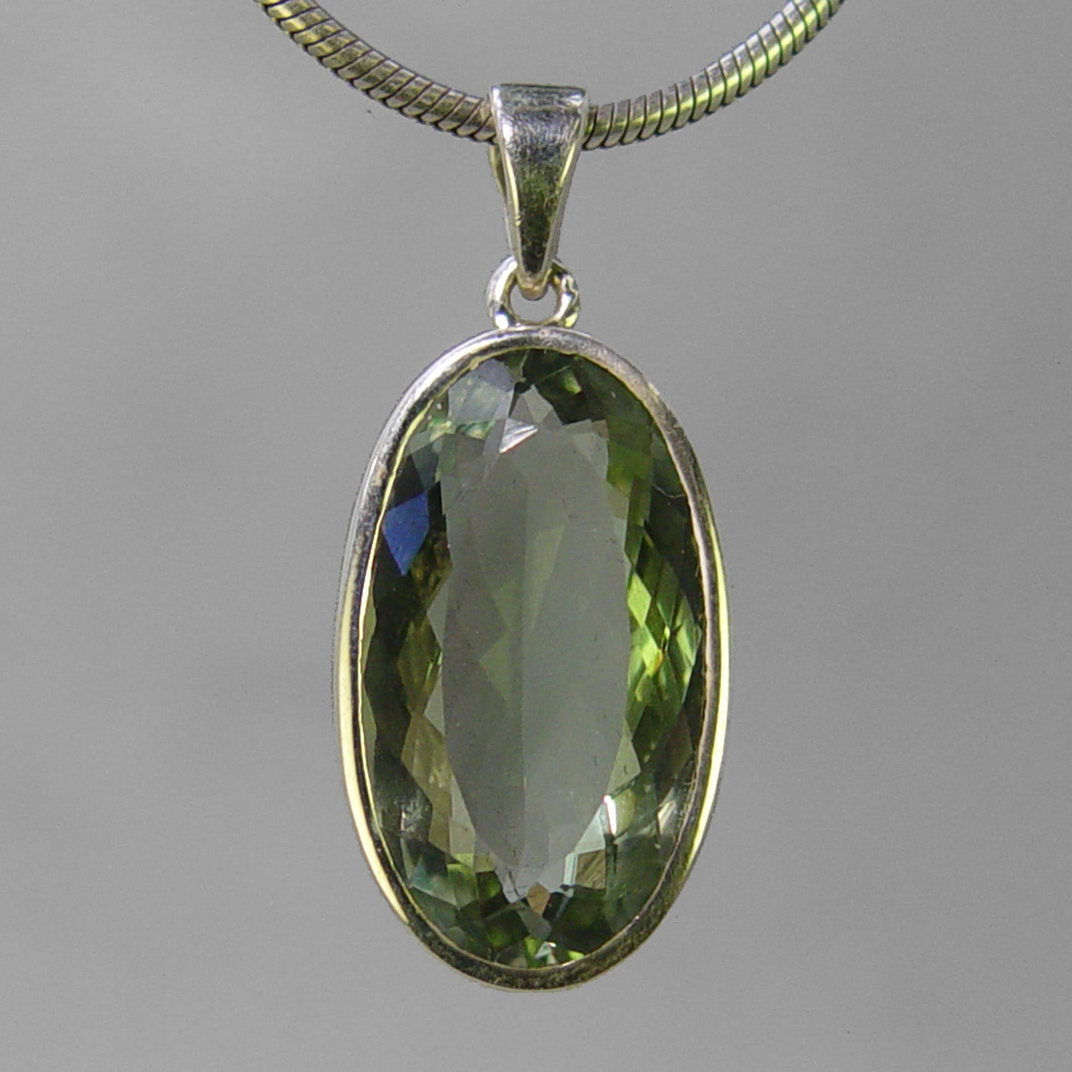 Green Quartz 21 ct Faceted Oval Bezel Set Sterling Silver Pendant