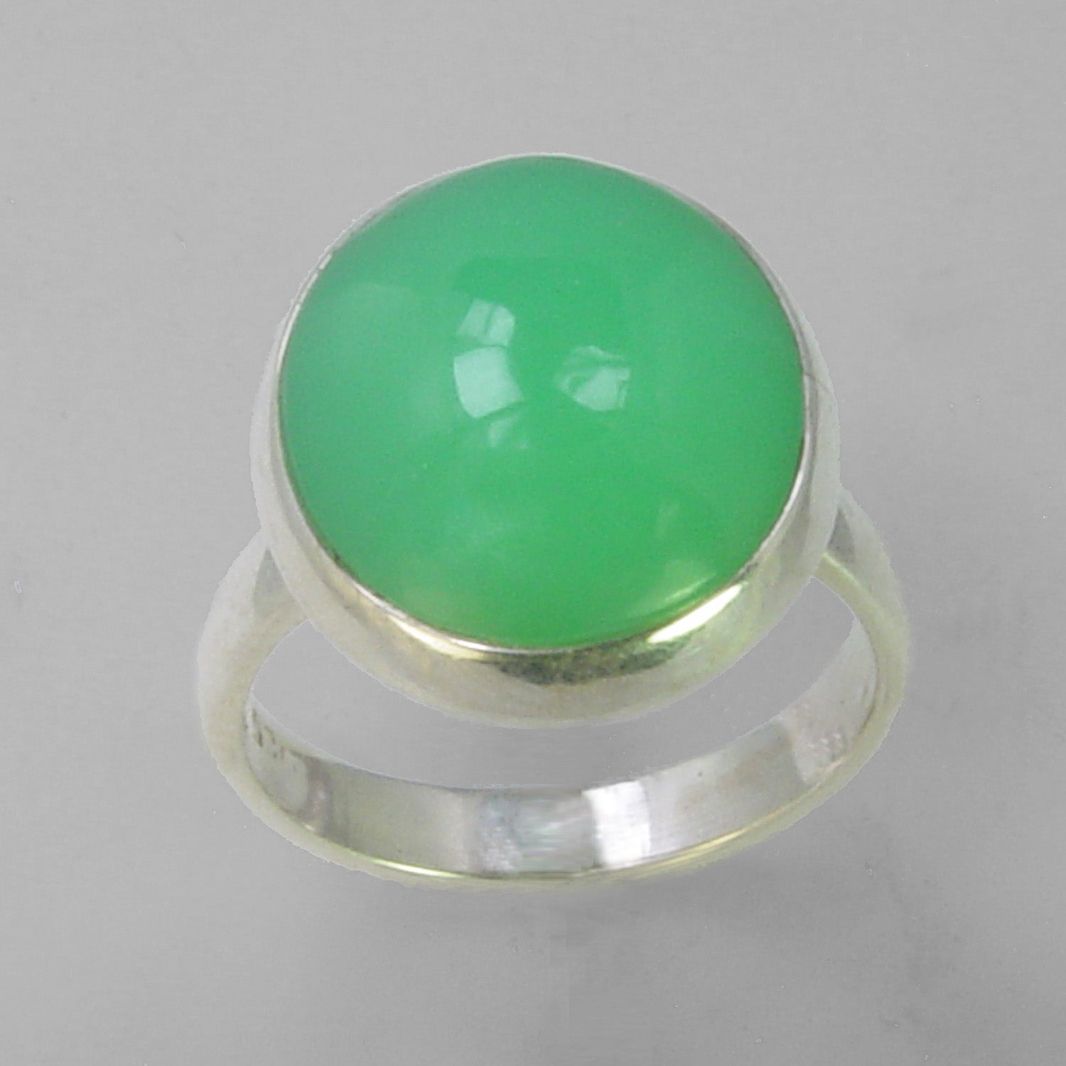 Chrysoprase 14 ct Oval Cab Bezel Set Sterling Silver Ring, Size 9