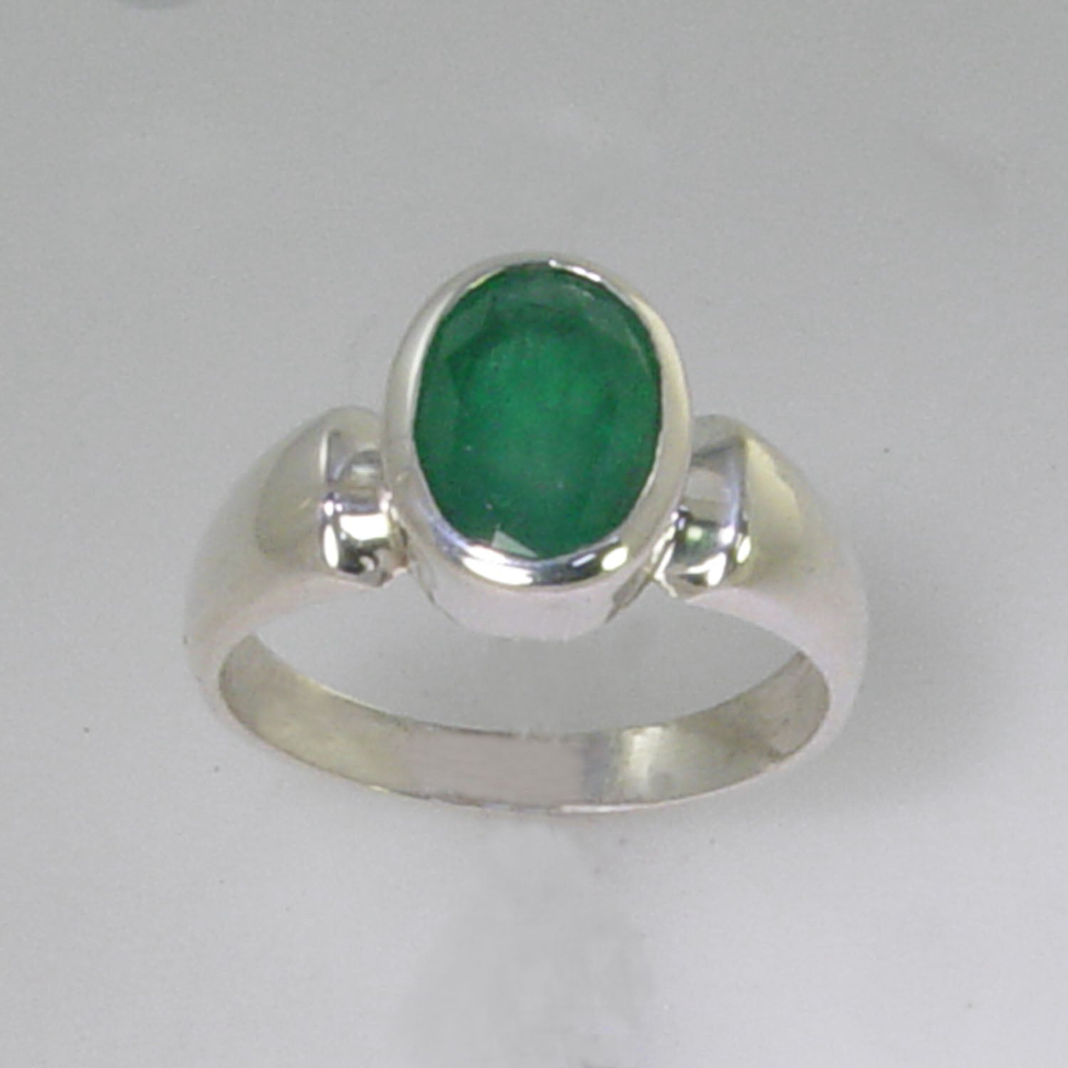 Emerald 1.9 ct Oval Bezel Set Sterling Silver Ring, Size 6