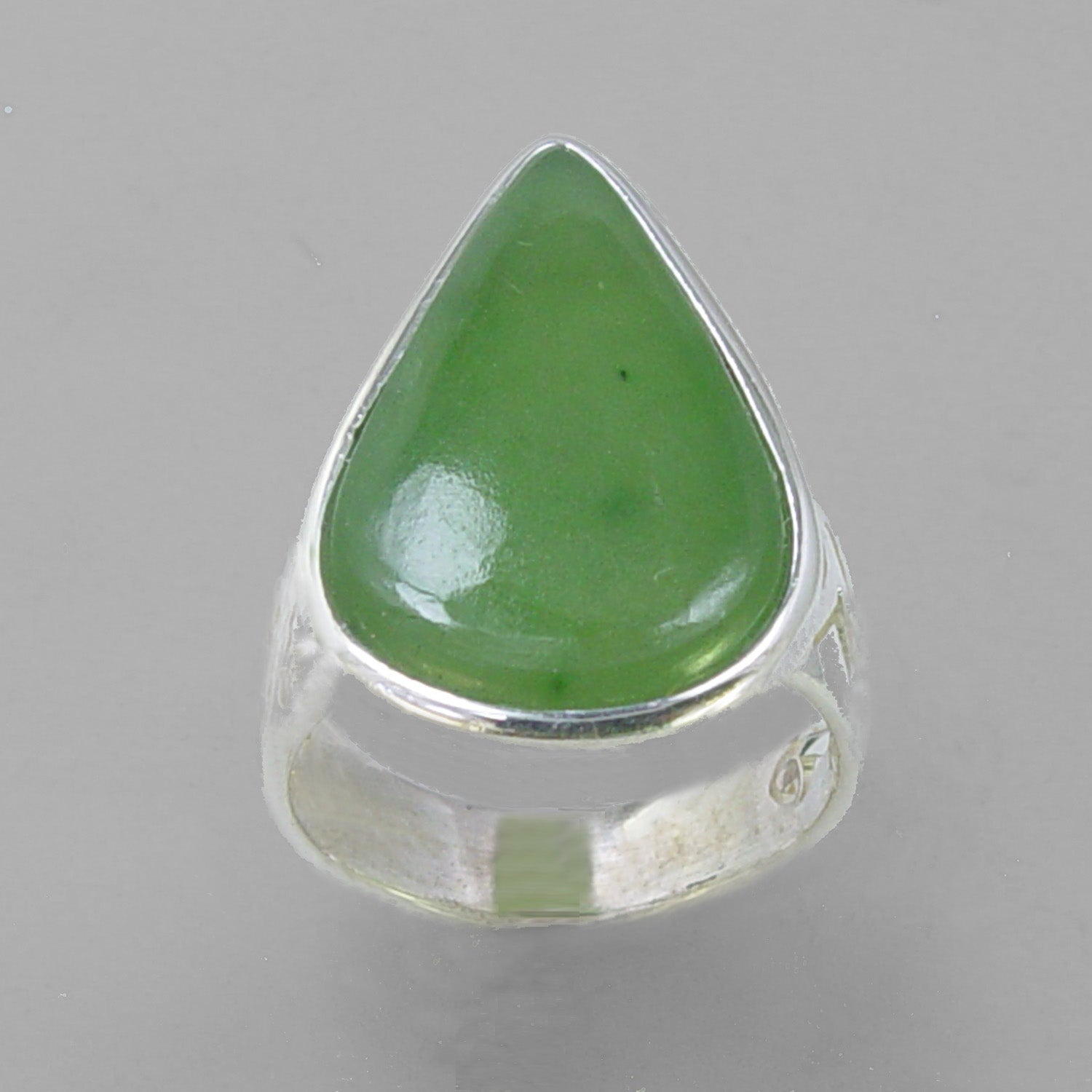 Jade 12 ct Pear Cab Bezel Set Sterling Silver Fancy Shank Ring, Size 6.75