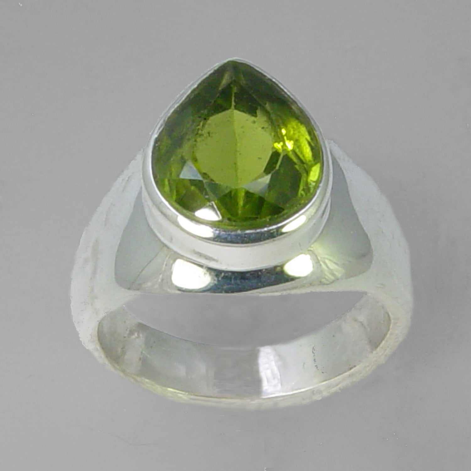 Peridot 5.8 ct Pear Bezel Set Sterling Silver Ring, Size 8.5