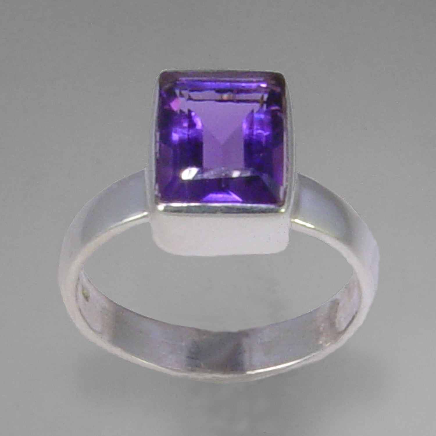 Amethyst 2.5 ct Emerald Bezel Set Sterling Silver Ring, Size 8