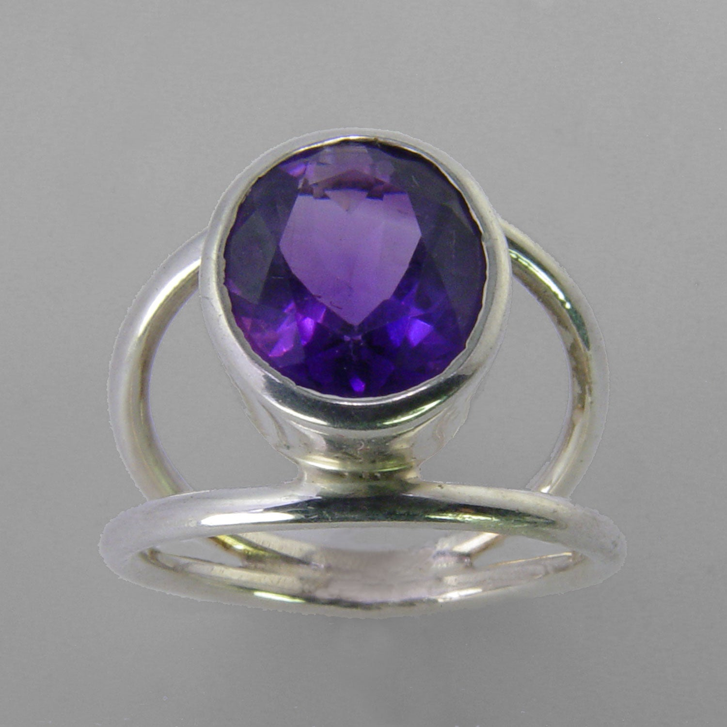 Amethyst 4.5 ct Oval Bezel Set Sterling Silver Ring, Size 8.5