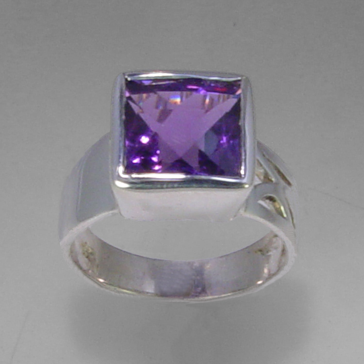 Amethyst 5 ct Square Cut Bezel Set Sterling Silver Ring, Size 7