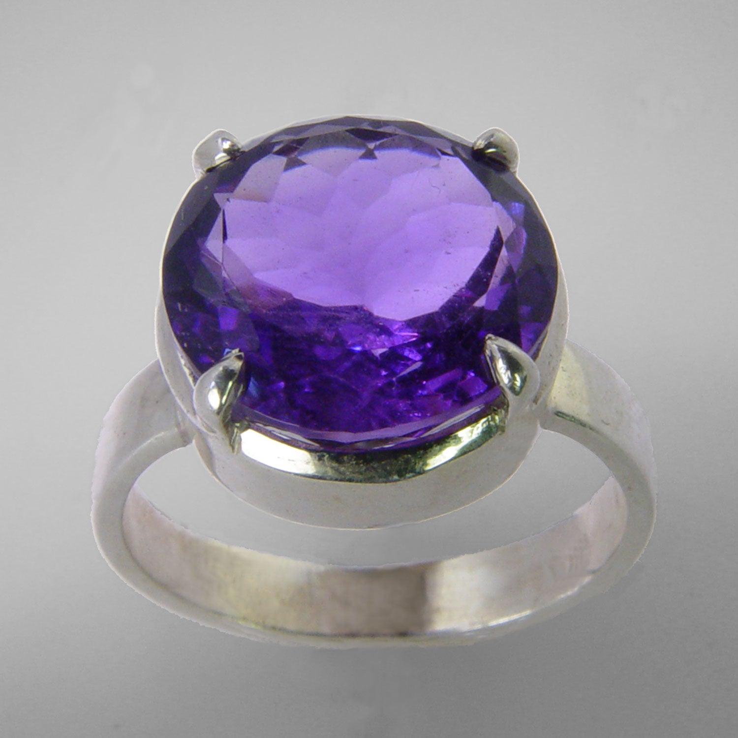 Amethyst 7 ct Faceted Round Sterling Silver Ring, Size 9