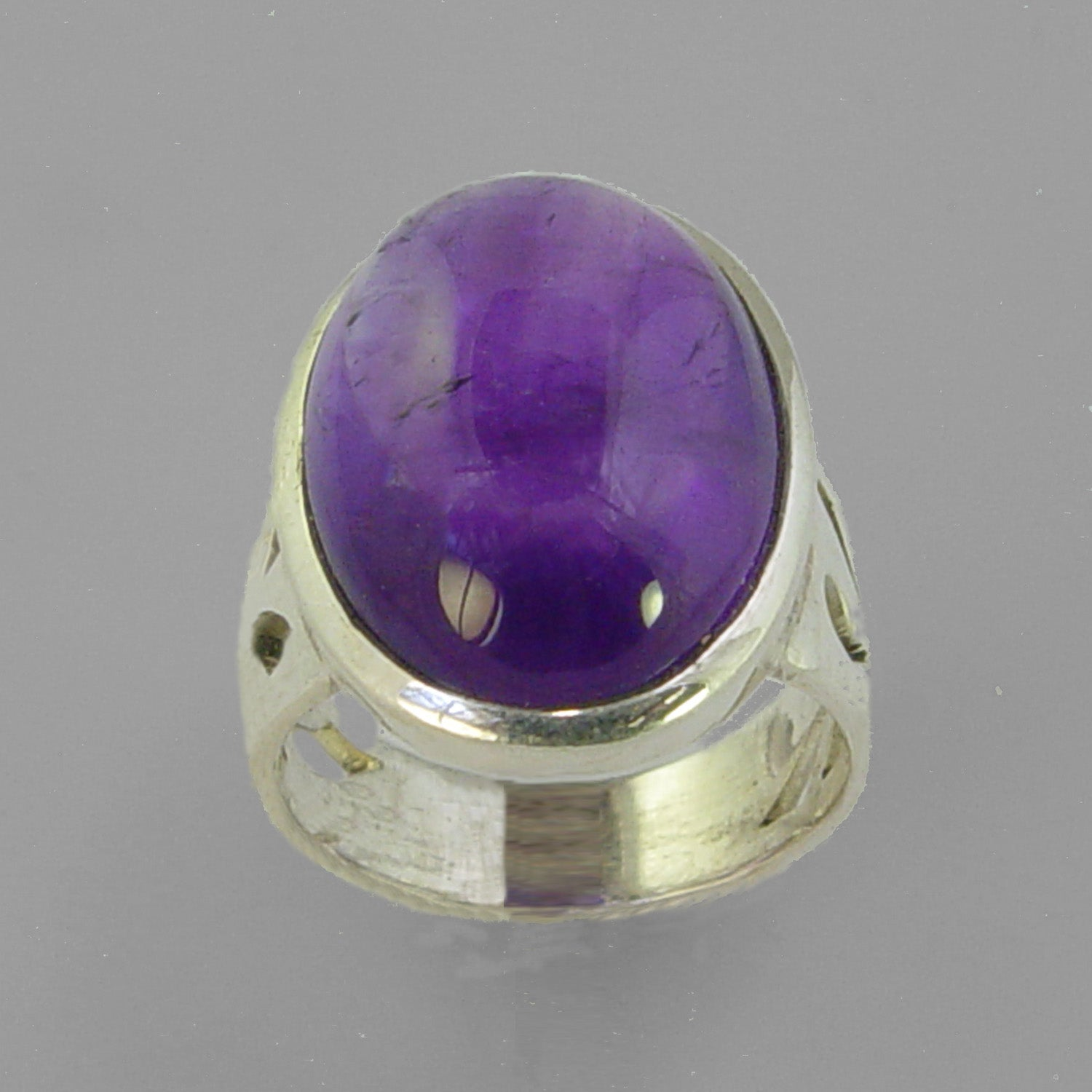 Amethyst 9.1 ct Oval Cab Bezel Set Sterling Silver Ring, Size 5.5