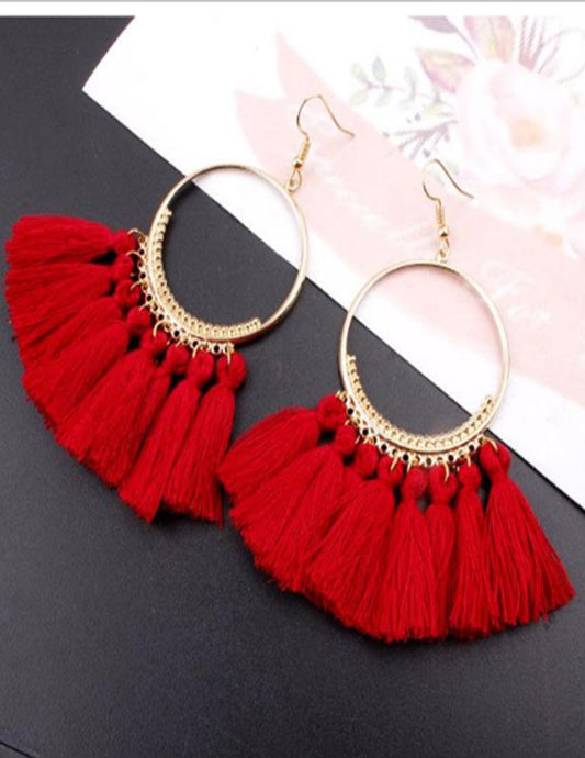 Round handmade earrings, with fringes in various colors - XHIARA