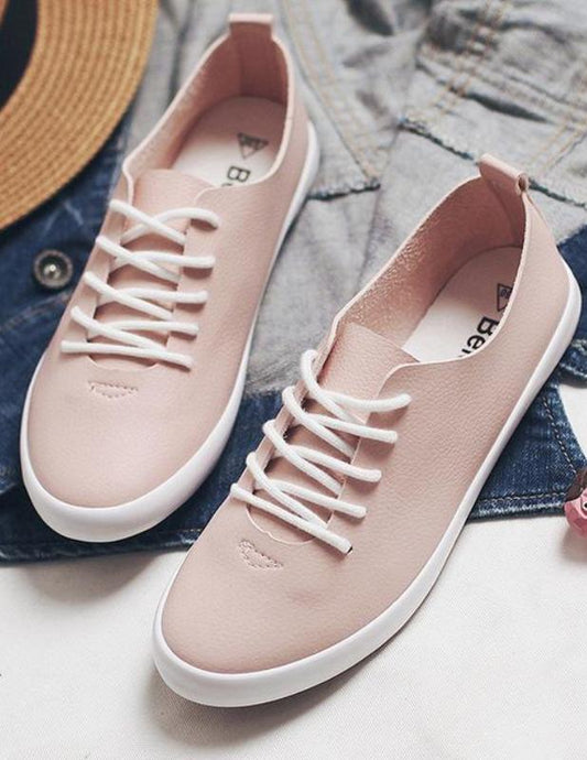 Beautiful low cut sneakers with laces. - XHIARA