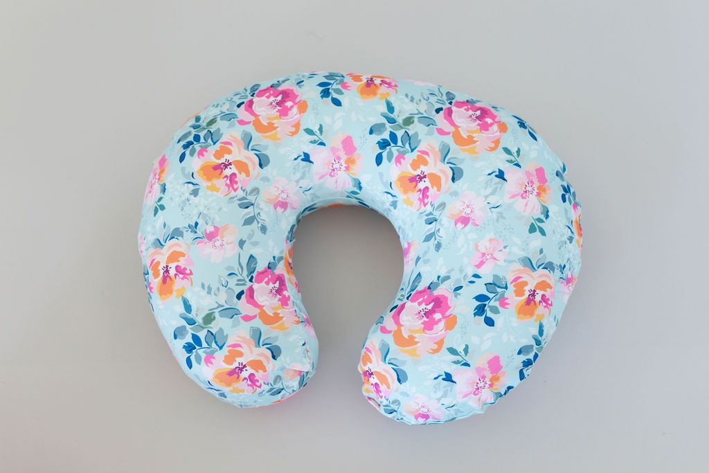 Emma Nursing Pillow Cover