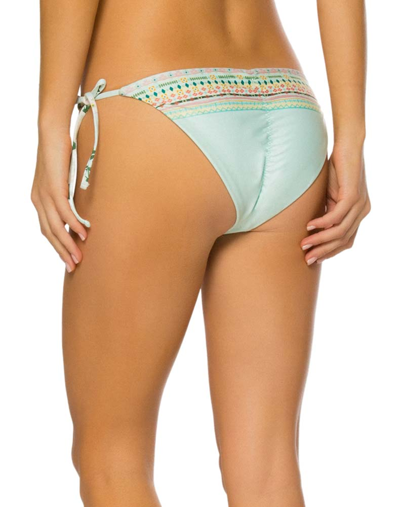 CAMELLIA ALEGRIA BOTTOM BY AGUA BENDITA