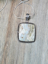 Load image into Gallery viewer, Crazy Lace Agate