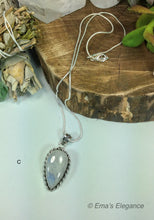 Load image into Gallery viewer, Moonstone Pendant
