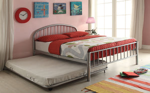Acme Cailyn Silver Twin Trundle Metal Bed