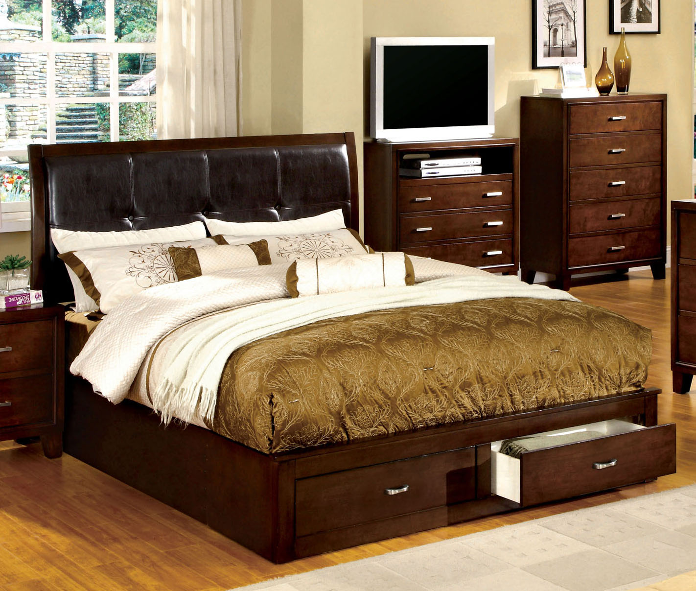 Enrico III CM7066CK Brown Cherry California King Storage Platform Bed