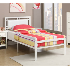 Poundex White Metal And Wood Finish Full Platform Bed