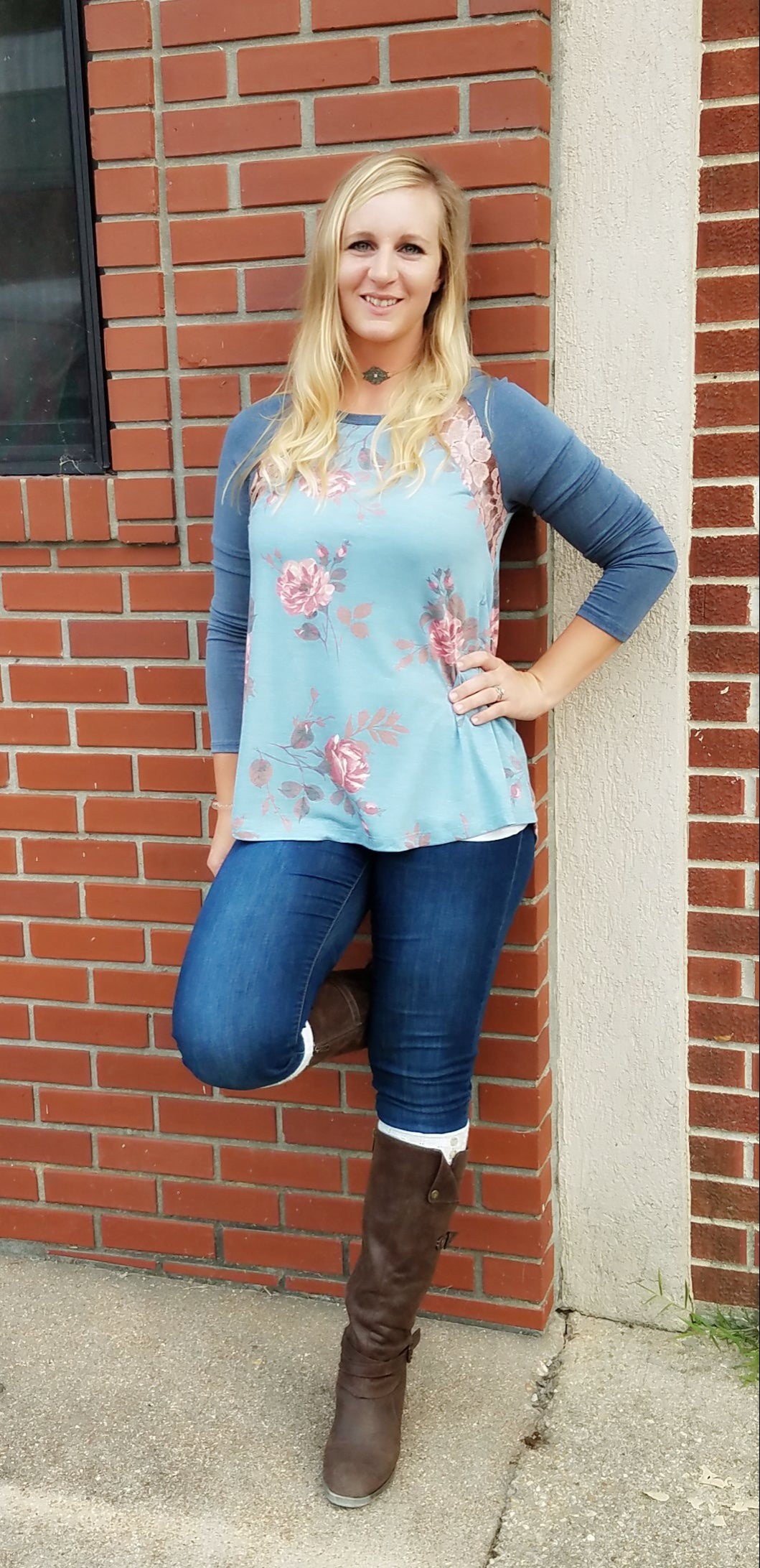Sidney floral lace ragan top