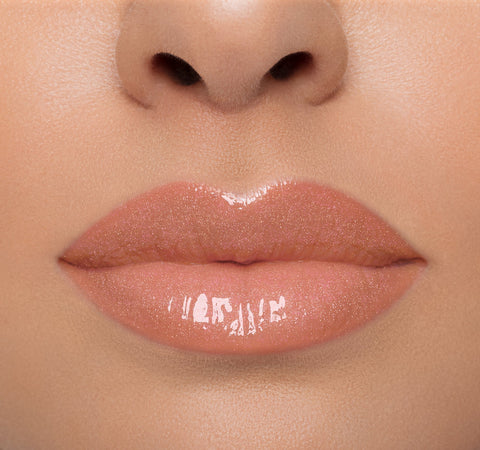 LIP GLOSS - SHIMMY ON MODEL