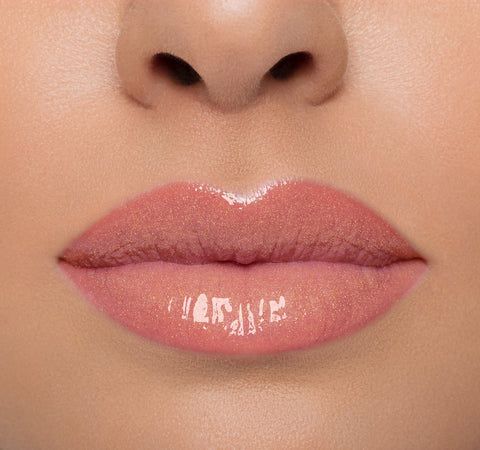 LIP GLOSS - FROLIC ON MODEL