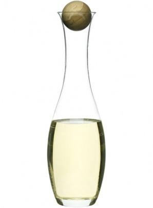 Wine/water carafe with oak stopper