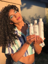 Load image into Gallery viewer, Curly haircare solution kit / natural
