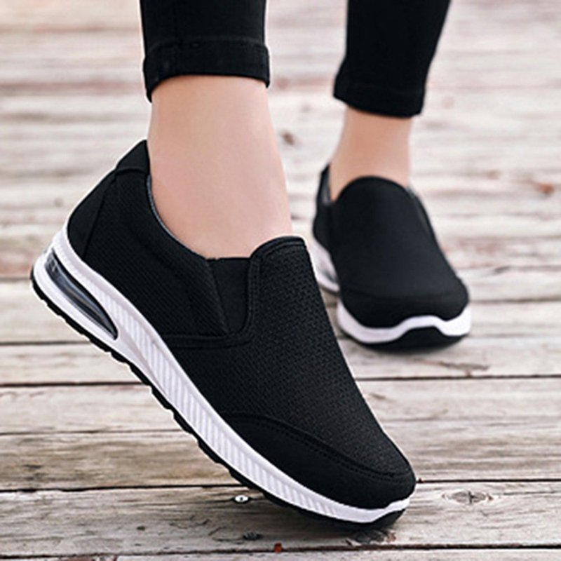 Women Outdoor Walking Mesh Slip On Flat Sneakers