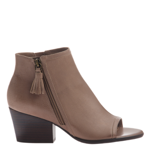 Easy Go To Wedge (2 Colors)