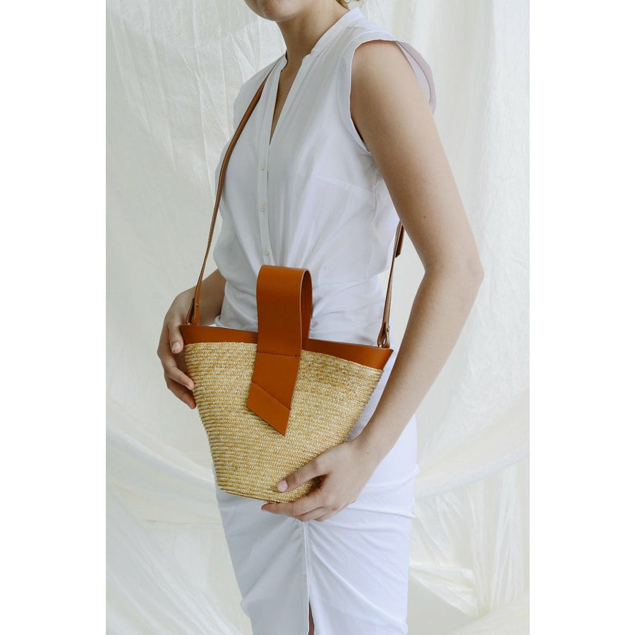 Amphora Straw and Leather Tan